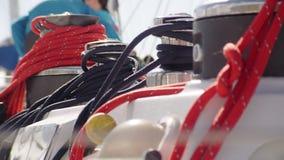 Rep som används för att segla arkivfilmer
