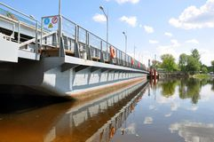 Free Repair Of The Bridge Over The Pina River In Pinsk. Movement Of Cars In Time Stock Photos - 149199743