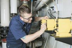Repairman inżynier pożarniczej inżynierii system lub obrazy stock