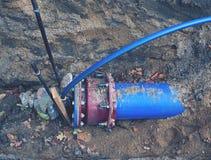 Reparação da interrupção de fonte da água Água da bebida foto de stock royalty free