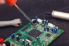 Reparação eletrônica foto de stock royalty free