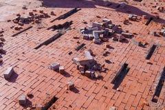 Reparación de la acera Trabajos del pavimento de adoquines Fotografía de archivo libre de regalías