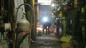 Reparación de la caldera de gas almacen de metraje de vídeo