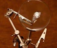 Reparación del anillo de Engagment Foto de archivo libre de regalías