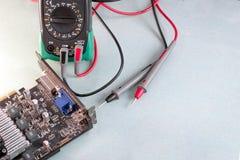 Reparación del ordenador, tarjeta de vídeo Fotos de archivo libres de regalías