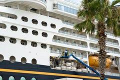 Reparaciones del barco de cruceros Imágenes de archivo libres de regalías