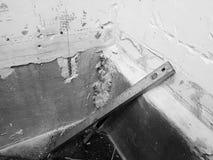 Reparaciones en el cuarto de baño y la teja fotos de archivo libres de regalías