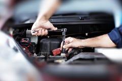 Reparação de automóveis. Fotografia de Stock