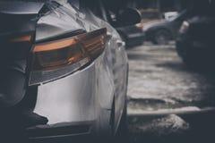 Reparatie en restauratie van de auto, om het even welke schade, breuk van het achtergedeelte van de auto royalty-vrije stock afbeelding
