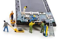 Reparatie usb schakelaar in smartphone Stock Foto's