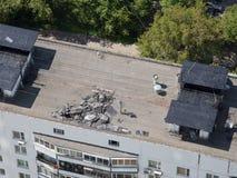 Reparatie van het dak vlakke dak Stock Afbeeldingen