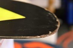 reparatie van ski en snowboard Stock Foto