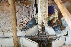 Reparatiepijler van onder of onder de Thaise stijl van het de bouwhuis Stock Afbeelding