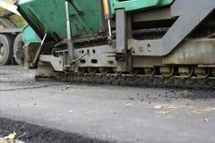 Reparation av vägar i staden Arkivbilder