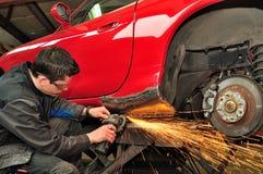 Reparation för bilkropp. Royaltyfria Bilder