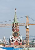 Reparation i Kreml omstrukturering Spasskaya Royaltyfri Bild