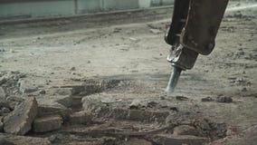 Reparationsarbete med den speciala utrustningen: maskin för demontering arkivfilmer