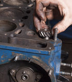 Reparationsbilmotor Royaltyfria Bilder