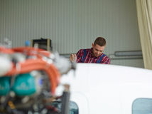 Reparatur des Jets Stockfotografie