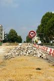 Reparaturen an einer Straße in Frankreich Stockfotos