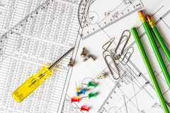 Repare comunicações, o esquema e os instrumentos para o reparo fotos de stock royalty free