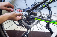 Repare la bici Foto de archivo