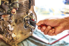 Repare la máquina de la bomba a mano, foco selectivo Imagen de archivo libre de regalías