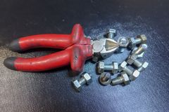 Repare las llaves, los tornillos y los alicates Foto de archivo libre de regalías