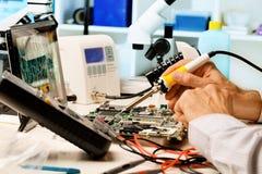 Repare las tarjetas de circuitos Foto de archivo libre de regalías
