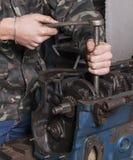 Repare o motor de automóveis Imagem de Stock Royalty Free