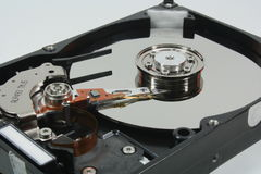 Reparieren eines Computer-Teils Lizenzfreie Stockfotos