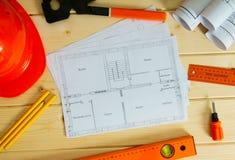 Reparieren Sie Arbeit Zeichnungen für das Errichten, Sturzhelm Lizenzfreies Stockbild