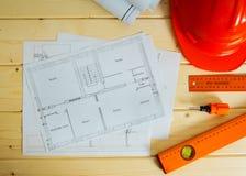 Reparieren Sie Arbeit Zeichnungen für das Errichten, Sturzhelm Lizenzfreie Stockbilder