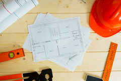 Reparieren Sie Arbeit Zeichnungen für das Errichten, Sturzhelm Stockfoto