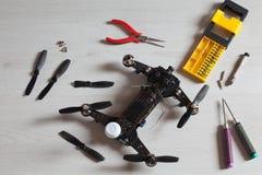Reparieren Sie Wartungsbrummen, Schrauben, Schraubenzieher, Werkzeuge, Propeller Lizenzfreie Stockbilder