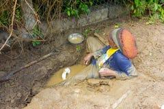 Reparierengebrochene Klempnerarbeit in den Karibischen Meeren Lizenzfreie Stockfotografie