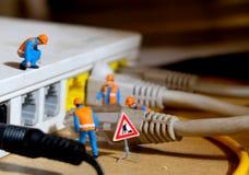 Reparierengebrochenes Netz Stockfotografie