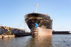 Reparo do navio no estaleiro Fotos de Stock Royalty Free