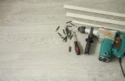 Reparo interior Preparação para a instalação de placas de contorno do assoalho fotografia de stock royalty free