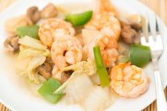 Repas chinois - crevettes roses avec les légumes mélangés Photos libres de droits