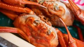 Repas délicieux avec les crabes cuits à la vapeur frais image libre de droits