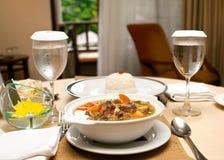 Repas délicieux dans un restaurant Photos stock