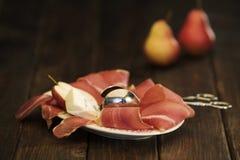 Repas délicieux sur la table rustique Photos stock