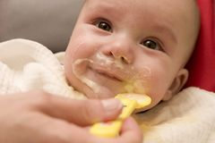 Repas de bébé Photos libres de droits