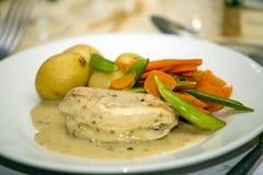 Repas de mariage de poulet et de Potatoe Images libres de droits