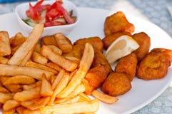 Repas de Néerlandais de pommes frites de poissons photographie stock libre de droits