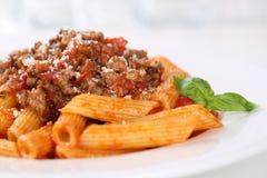 Repas de pâtes de nouilles de sauce à Penne Bolognese ou à Bolognaise image stock