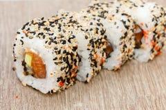 Repas du Japon de petit pain de Japonais de sushi frais Image libre de droits