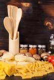 Repas sain et delicous - pâtes crues crues photo libre de droits