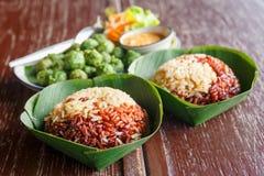Repas thaïlandais de riz brun photo stock